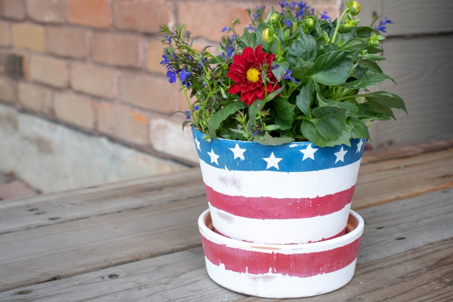 Flower pot with American flag decoration